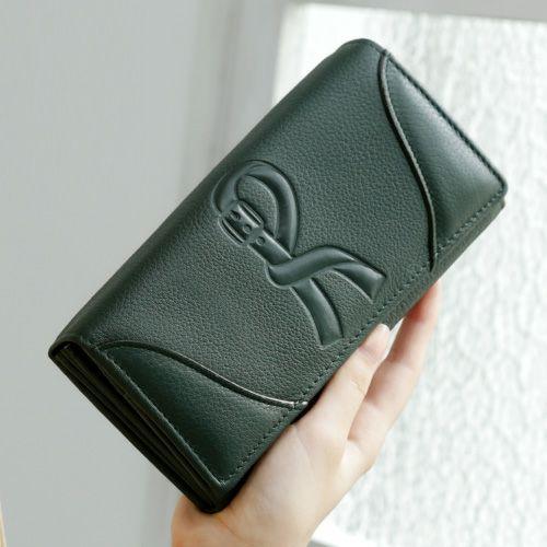 クリスマスプレゼントにおすすめなお財布はロベルタのモアです